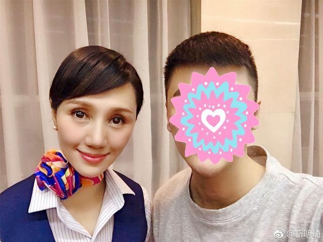 袁泉只在春晚镜头前出现了3秒,网友:全场最美的女人!
