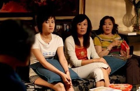爆粗口的苏小明曾是著名歌唱家,她饭桌上怼的女士也曾是知名演员