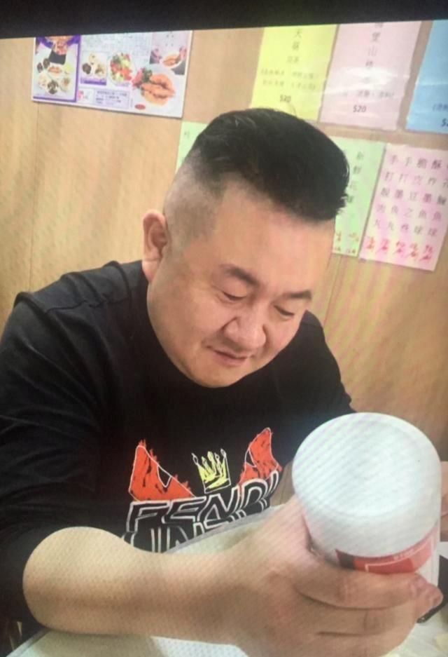 """孙小果变形记:强奸案死囚、狱中""""发明家""""和夜场""""大李总"""""""