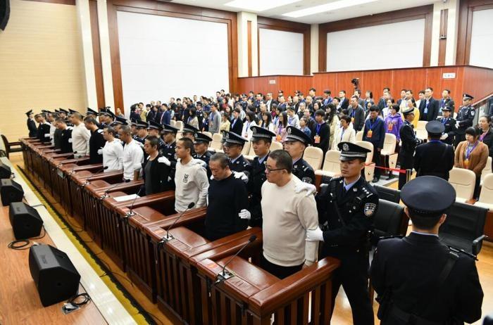 「孙小果出狱后涉黑犯罪一审获刑25年」的圖片搜尋結果