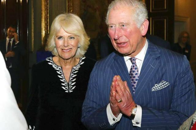 71岁查尔斯王储确诊!曾与确诊摩纳哥亲王面对面,参加活动还不戴口罩,女王和卡米拉都健康