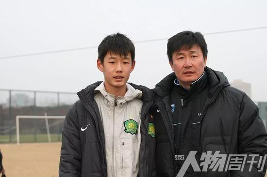 2011年,郝海东与儿子郝润泽
